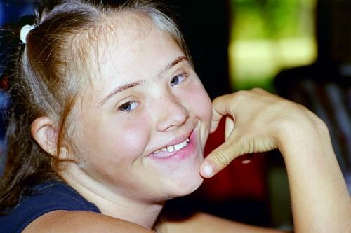 une adolescente rayonnante