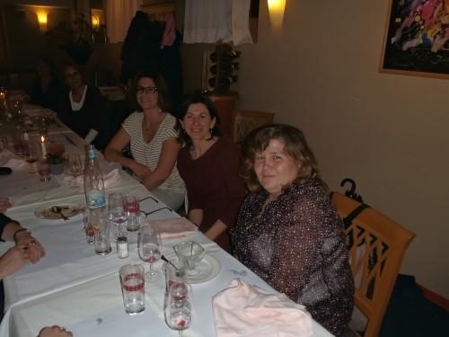 Des mamans de l'association se rencontrent pour un souper convivial